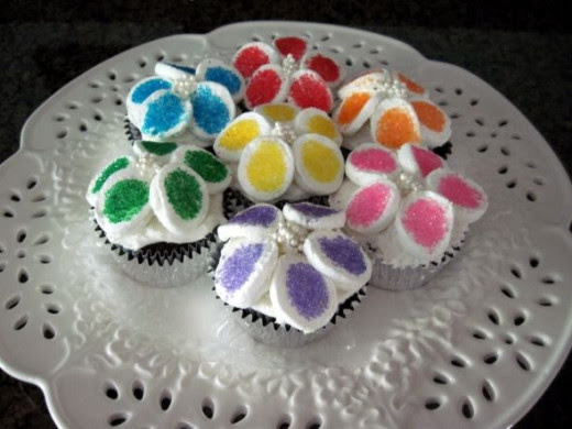 http://sylvestermouse.hubpages.com/hub/marshmallow-flower-cupcakes
