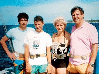 http://murderpedia.org/male.M/images/menendez_bros/menendez_302.jpg