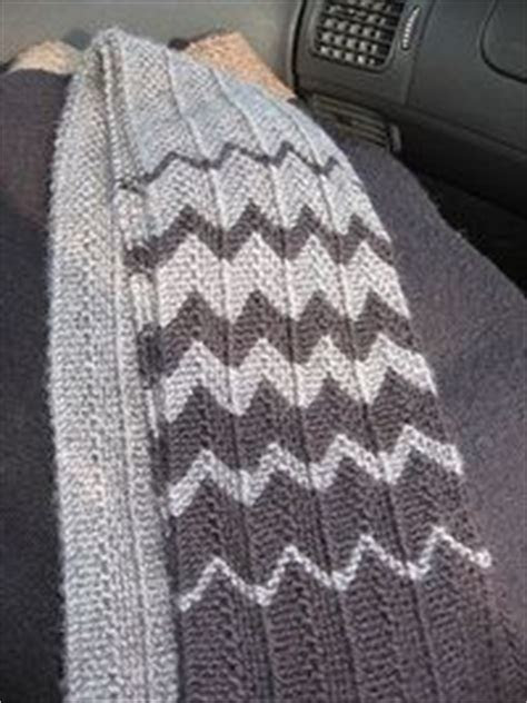Chevron scarf from rave rely. Like the pattern also the