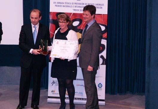 Clara Martínez, en el momento de recibir el premio.
