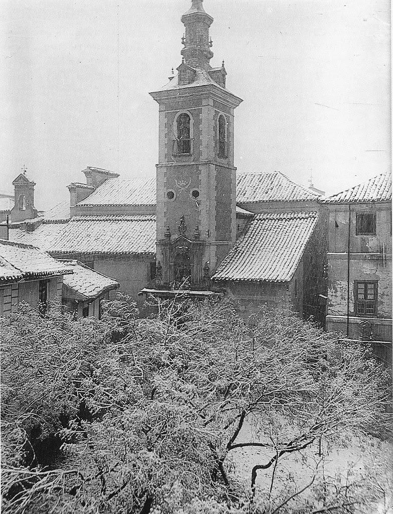 Plaza e Iglesia de San Justo (Toledo) bajo la nieve a principios del siglo XX. Fondo Rodríguez