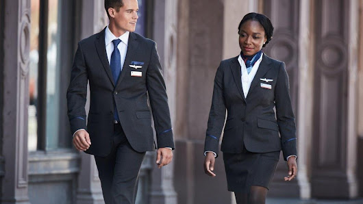 American Airlines names finalist vendors to supply new uniforms - Charlotte Business Journal