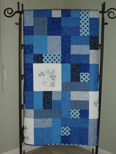 2 quilt stand