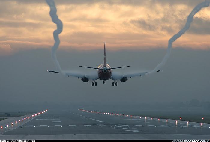 Um Contrail aerodinámico los hum jato