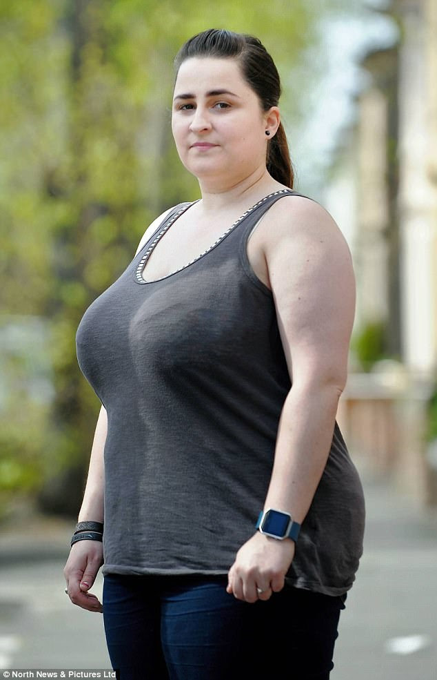 sexy women sucking dick