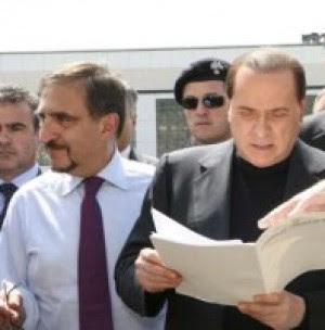 """E Berlusconi regala un suv a La Russa """"Sapevo che stava per acquistarne uno..."""""""