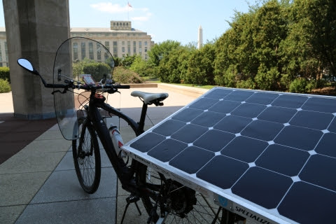Solar Powered Bike Visits the Department of Energy