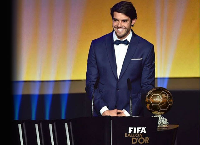 Dengan permainananya yang elegan dan kemampuan mendribble bola secara halus Dia Yang Pernah Mengalahkan Ronaldo Dan Messi, Kini Resmi Mengundurkan Diri