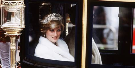 Princess Diana's favorite dresses sell at auction for $300,000