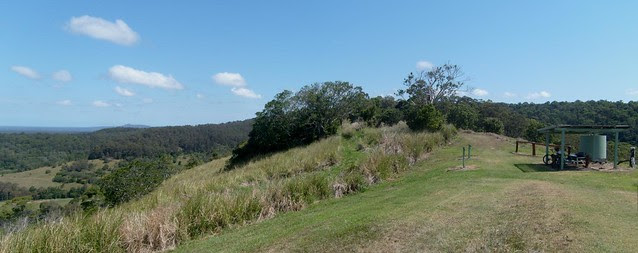 Picnic Shelter - Cootharaba Lookout