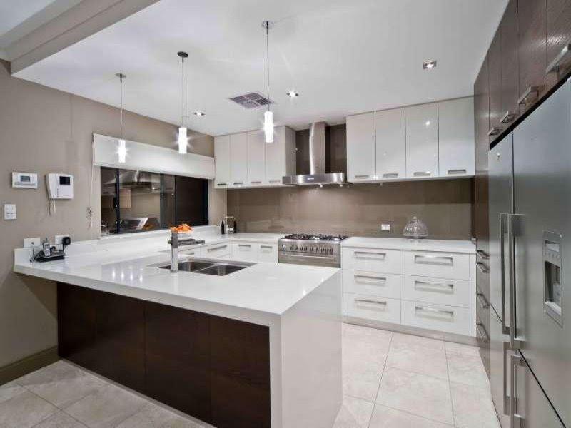 Modern u-shaped kitchen design using tiles - Kitchen Photo 225381