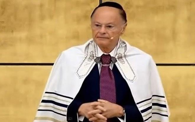 O bispo Edir Macedo em culto no Templo de Salomão transmitido pela Rede 21, da Band - Reprodução
