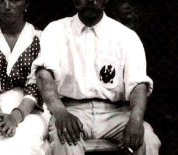 Татуировка змея на руке Николая II – напоминание для посвящённых