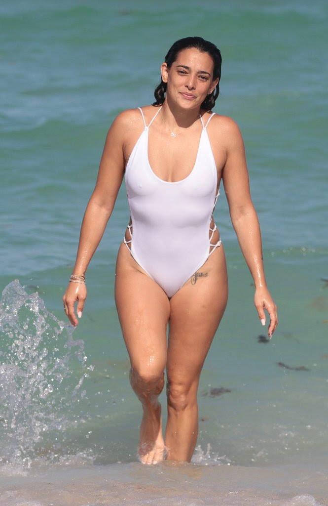 Olivia Phyland  nackt