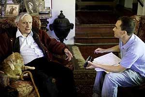 Gore Vidal, entrevistado en su casa de Hollywood Hills por Carlos Fresneda. (Foto: Isaac Hernández)