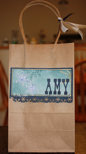 Dec8_2009_SupperClubGiftBags_Amy