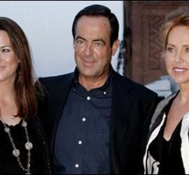 José Bono con su mujer y su hija.