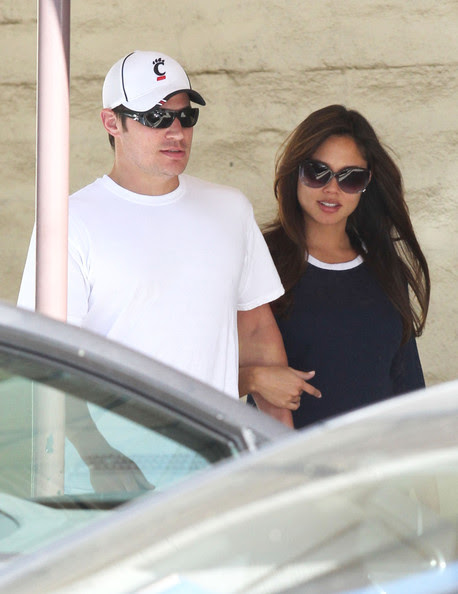 Nick Lachey - Nick Lachey & Vanessa Catch Up Over Breakfast