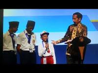Kejadian Lucu Saat Presiden Jokowi Memberikan Pertanyaan Berhadiah