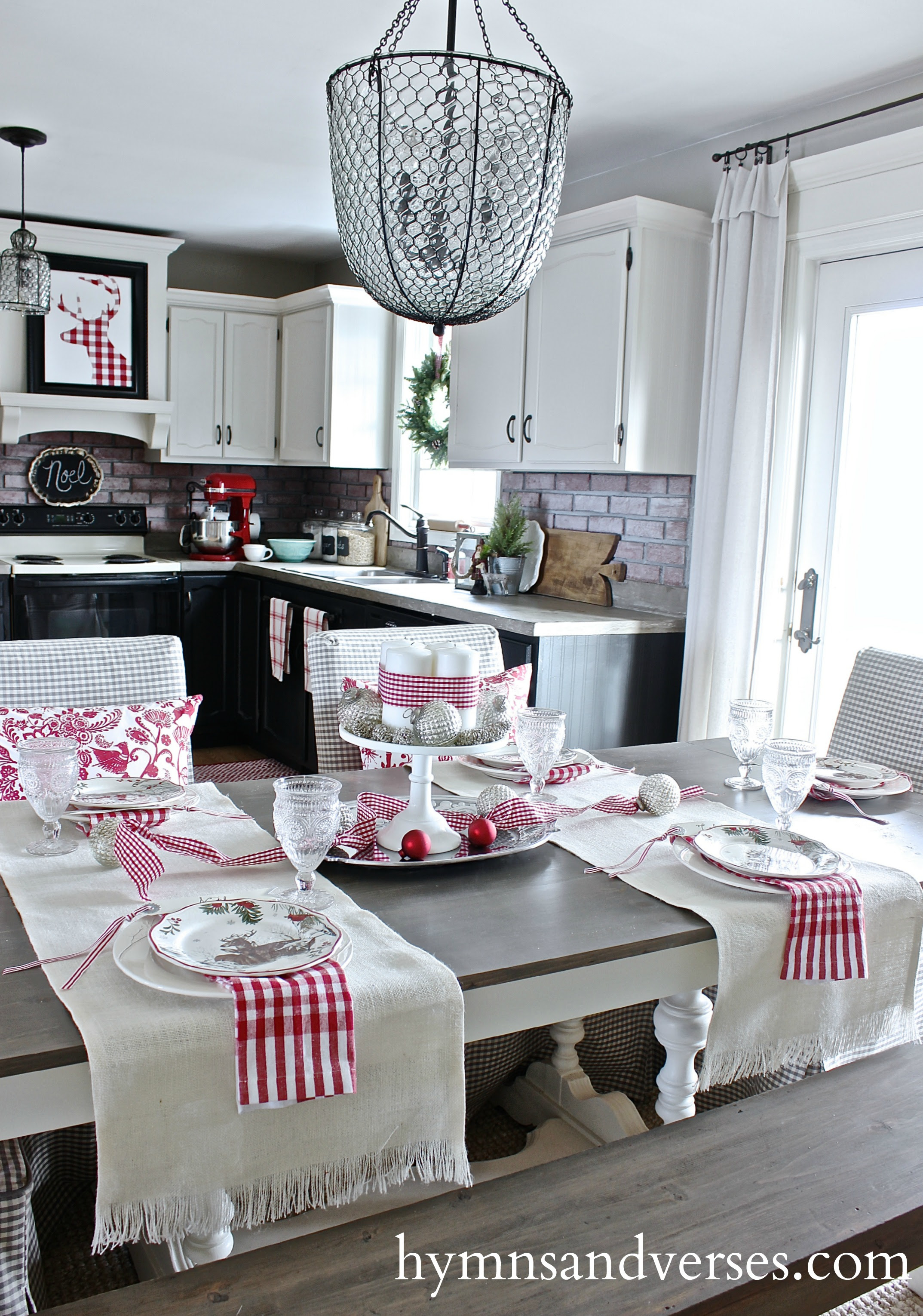 Christmas Dining Room & Kitchen - Hymns and Verses