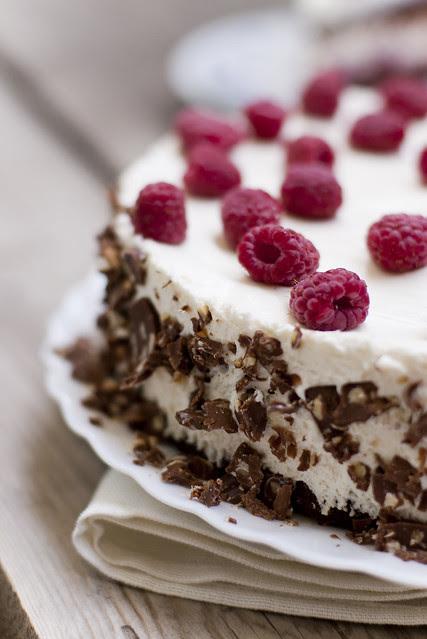 Šokolaadi-kohupiima-vaarikatort / Chocolate, curd cheese and raspberry cake