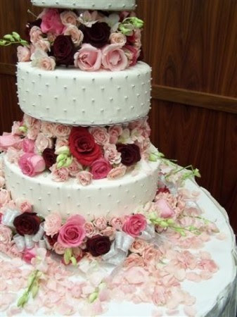 square wedding cakes with flowers. Wedding Cake With Flowers