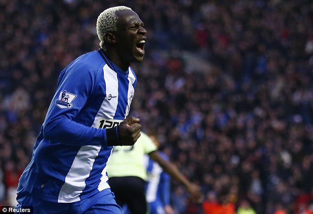 Get me to Goodison: Arouna Kone wants to rejoin former manager Roberto Martinez at Everton