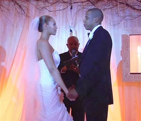 Beyoncé didn't really like her wedding dress designed by