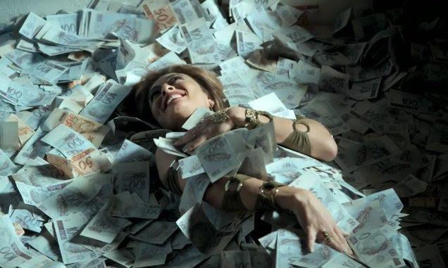 Resultado de imagem para Bibi perigosa, nadando em dinheiro
