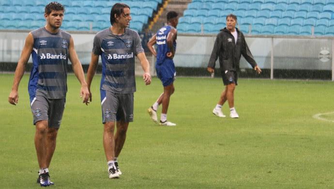Kannemann Pedro Geromel Grêmio (Foto: Eduardo Moura/GloboEsporte.com)