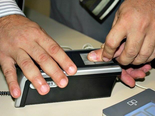 Campanha de cadastramento biométrico segue até fevereiro de 2014 no Amazonas (Foto: Girlene Medeiros G1/AM)