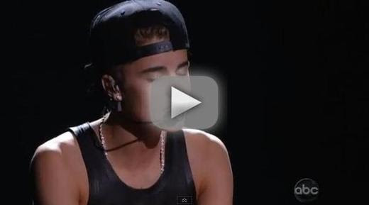 Justin Bieber - As Long As You Love Me/Beauty And A Beat (Live)