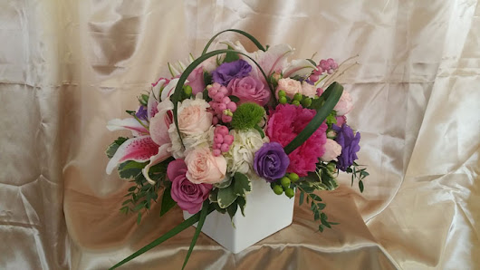 "Rosita's Flowers | San Diego Flower Shop | Nothing says ""I love you"" more then flowers."
