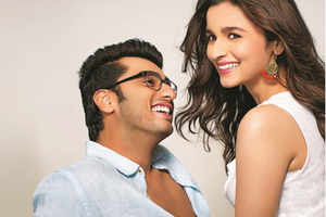 Arjun Kapoor at the dance floor with Nargis Fakhri after Alia Bhatt leaves