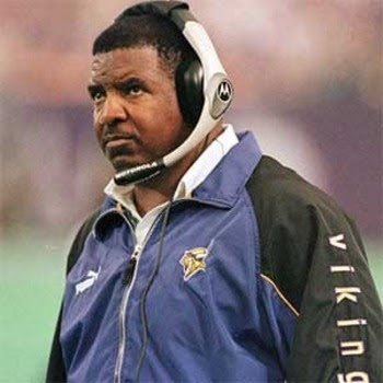 Dennis-Green-Photo_display_image.jpg (350×350)