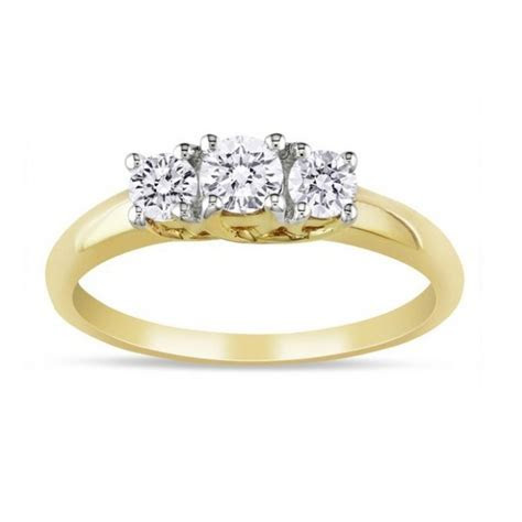 Classic Three Stone Trilogy Three Stone Engagement ring