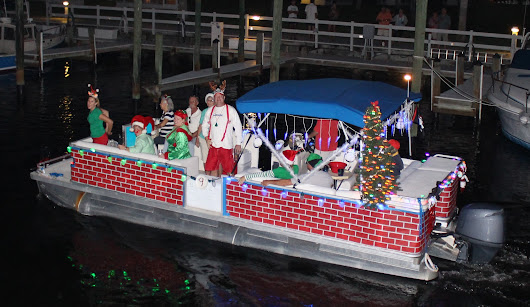 Christmas Boat Parades Light Up the Night - Sun Palace Vacation Homes