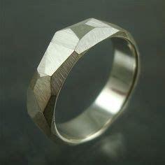 mm gehaemmert mens wedding ring  rose gold und rhodium