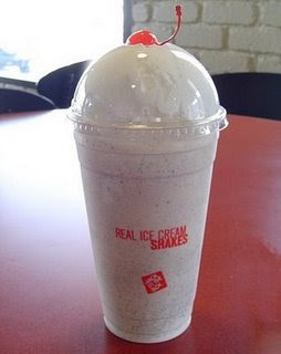9-Top 10 comidas mais Calóricas do mundo- Jack In The Box OREO Cookie Ice Cream Shake (24oz)