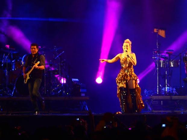Joelma e Chimbinha no palco (Foto: Maurício Vieira/G1)