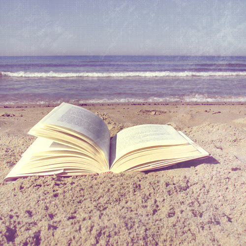 bookish-thoughts:  The Lucky one (by FotoRita [Allstar maniac])