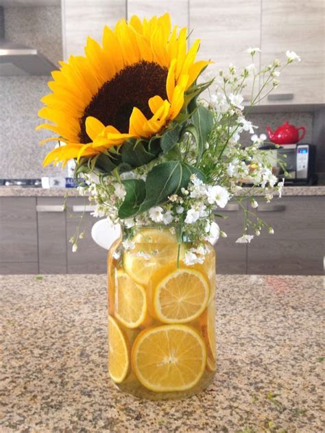 Sunflower centerpiece by Gabs.   DIY   Pinterest