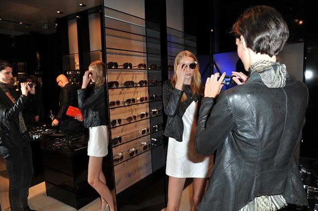 4 - Vogue_FNO_2011_Armani _Katrin Thormann,Iris Strubegger_075