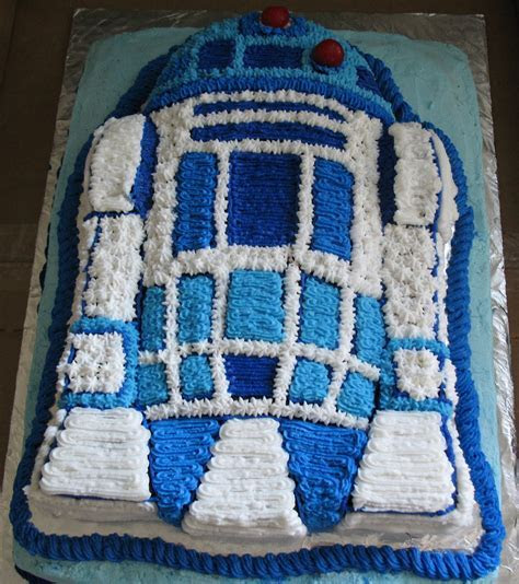 R2D2 Cakes ? Decoration Ideas   Little Birthday Cakes