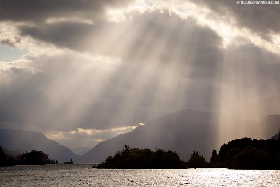 Columbia River Gorge Sunshine Rays (BONUS PHOTO, SHOT TODAY!)