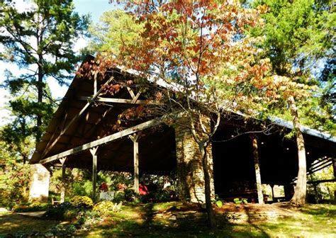 Twin Creek Lake Pavilion in Texarkana, Arkansas. http