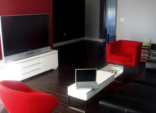 Bkkhome bangkok housing review tips guide news modern - Living room decorating ideas red black white ...