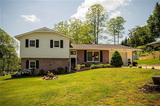 5195 Lake Park Drive, Hickory NC 28601 For Sale, MLS # 3390676, Weichert.com