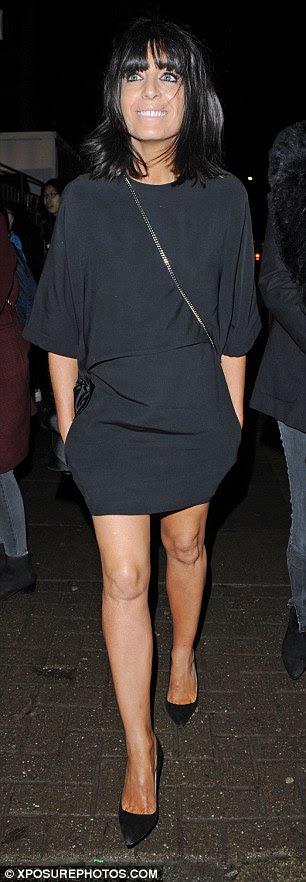 pintainho Rock: Claudia usava um saco crossbody e exibia sua marca registrada delineador preto