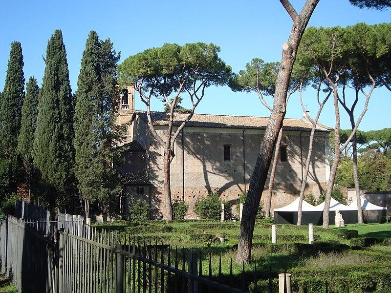 File:Église San Cesareo de Appia2.JPG